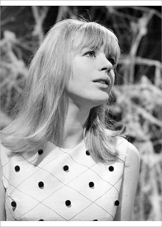 , Photograph-Marianne Faithfull – London-7″x5″ Photo Print made in the USA, My Pop Star Kda Blog, My Pop Star Kda Blog