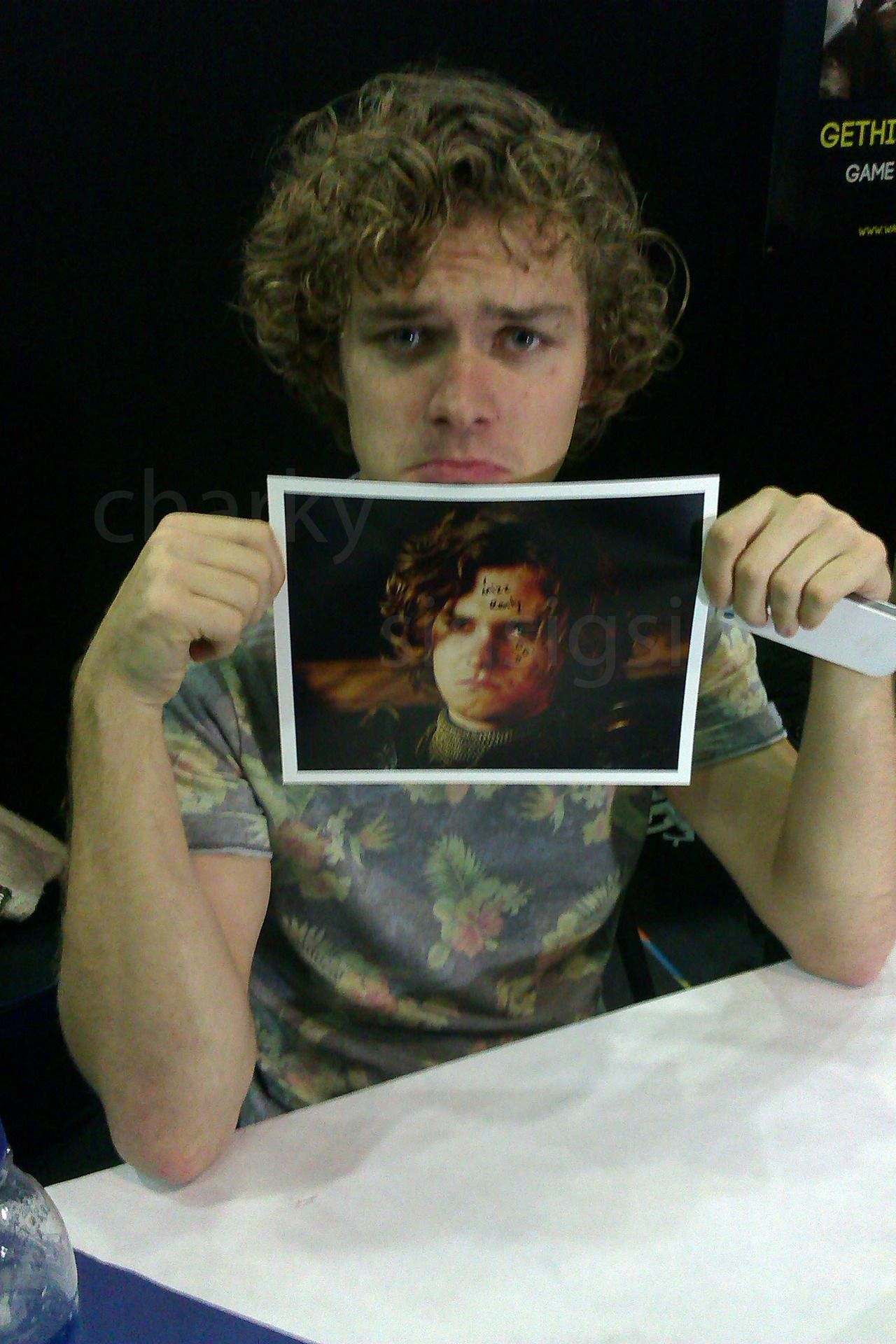 finn jones autograph on his own character 39 s picture i mizz renly love him awesome game. Black Bedroom Furniture Sets. Home Design Ideas