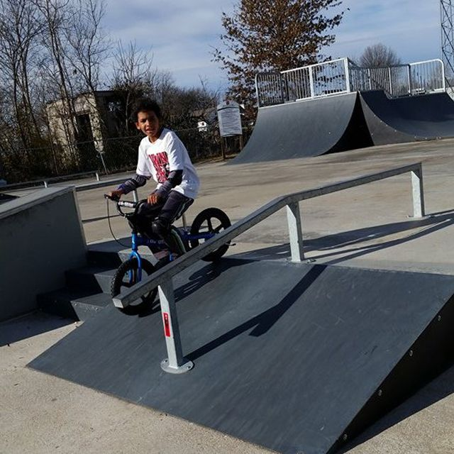 Glide Bikes aren't just for the trails! Here's one of our recent ‪#‎12DaysOfChristmas‬ giveaway winners carving up the skatepark. #GlideBikes #balancebike #kids #fun #biking #bike #bicycle #parenting www.facebook.com/glidebikes