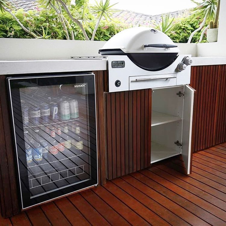 A Brilliant Weber Family Q Built In Premium Installation Featuring Concrete Bench Tops From Virtsca Outdoor Bbq Kitchen Outdoor Kitchen Outdoor Kitchen Design