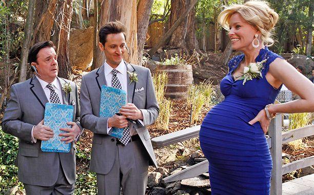 Image Result For Elizabeth Banks Dress On Modern Family Wedding Dresses Family Wedding Dress To Impress