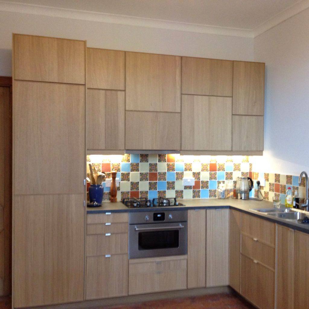 Units and appliances all IKEA #Ekestad #Oak Tiles from   -> Kuchnia Ikea Hyttan