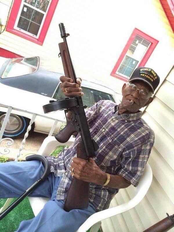 The oldest surviving World War 2 Veteran Richard Overton