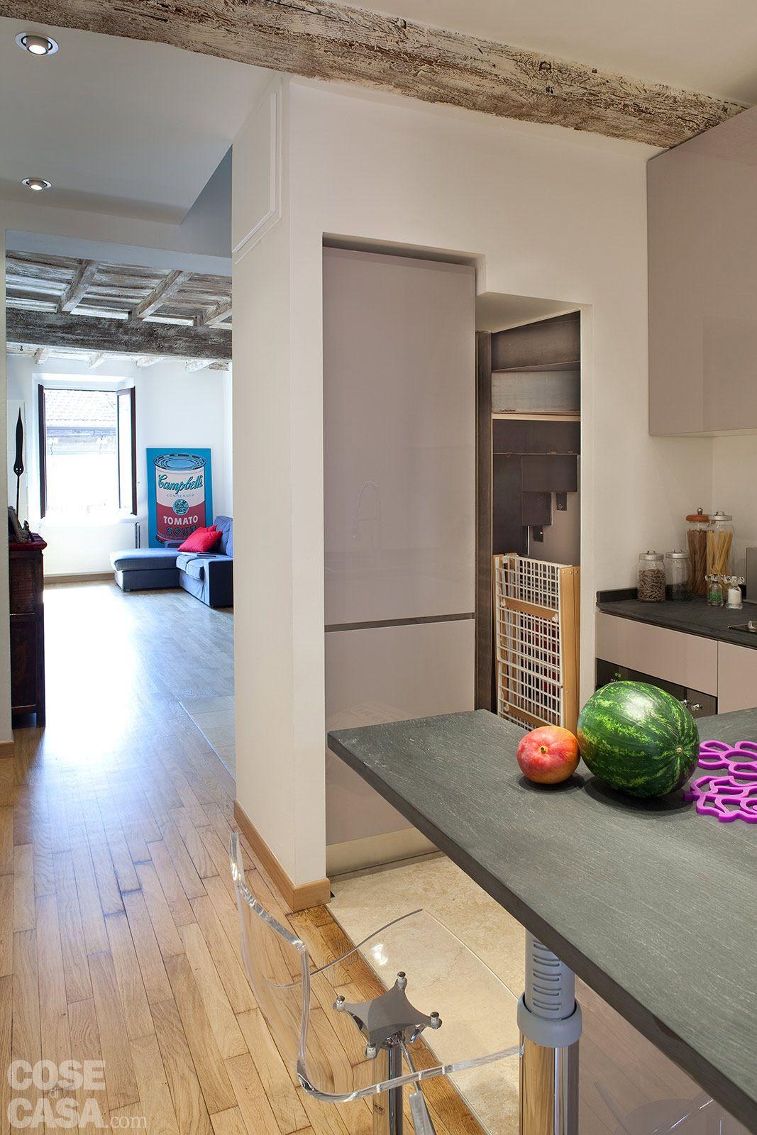 Cucina Soggiorno Stretta E Lunga una casa stretta e lunga che ottimizza lo spazio | mobili