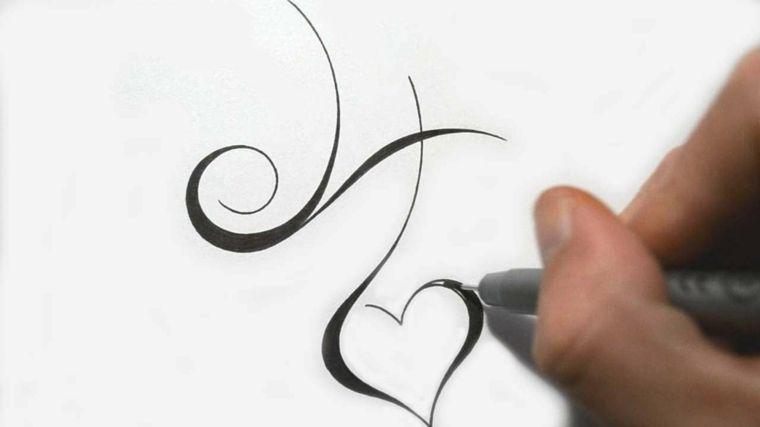 Letras Para Tatuajes Los Tipos Entre Los Que Podemos Elegir Tatuaje Inicial Disenos De Tatuajes De Corazon Letras Para Tatuajes