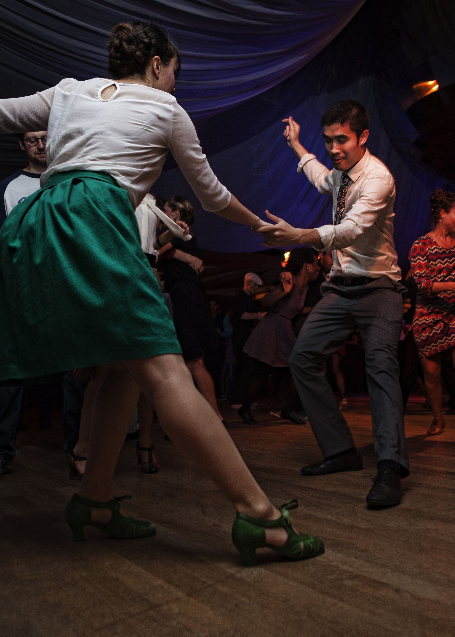 Danse De Salon A Paris Lindy Hop At The Chalet Du Lac In Paris In 2019 Swing