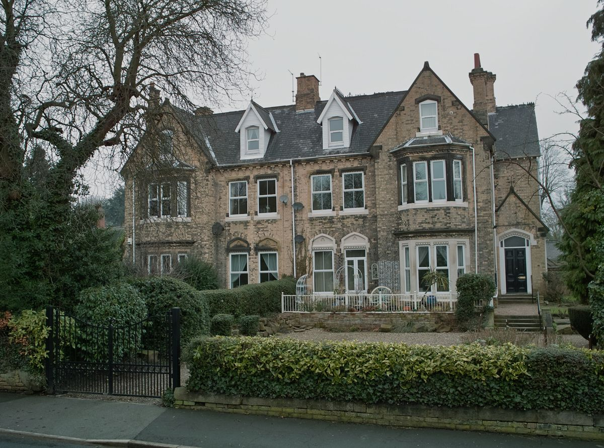 Types of victorian houses filevictorian houses southfield hessle geograph org uk 1713346