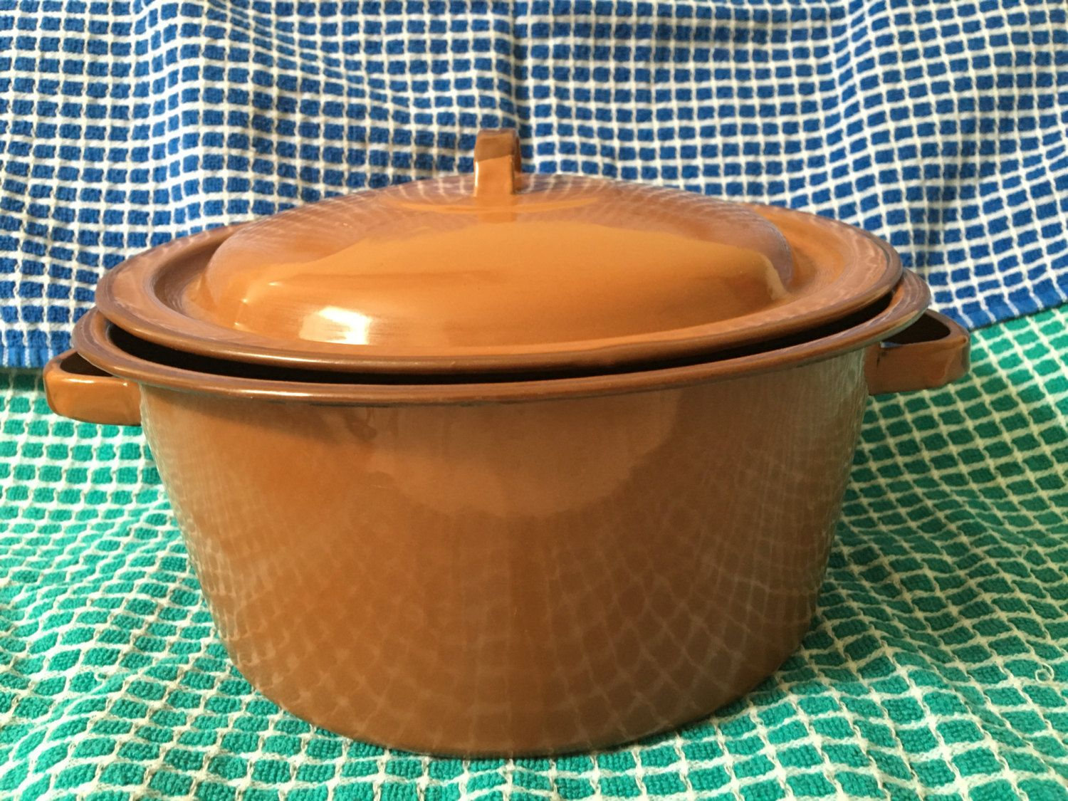 Brown Enamelware Pot With Lid, Darker Brown Rims, Soup Pot, Ornament Graniteware Pot, Housewarm Gift, Wedding,Home Decor, Farmhouse, Antique by Roses4Her on Etsy
