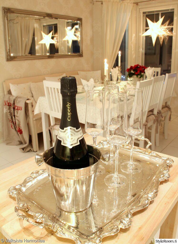 Kuva sivustosta http://images.styleroom.fi/image/scaled/full/u8sv/1/689785-shampanja.jpg.