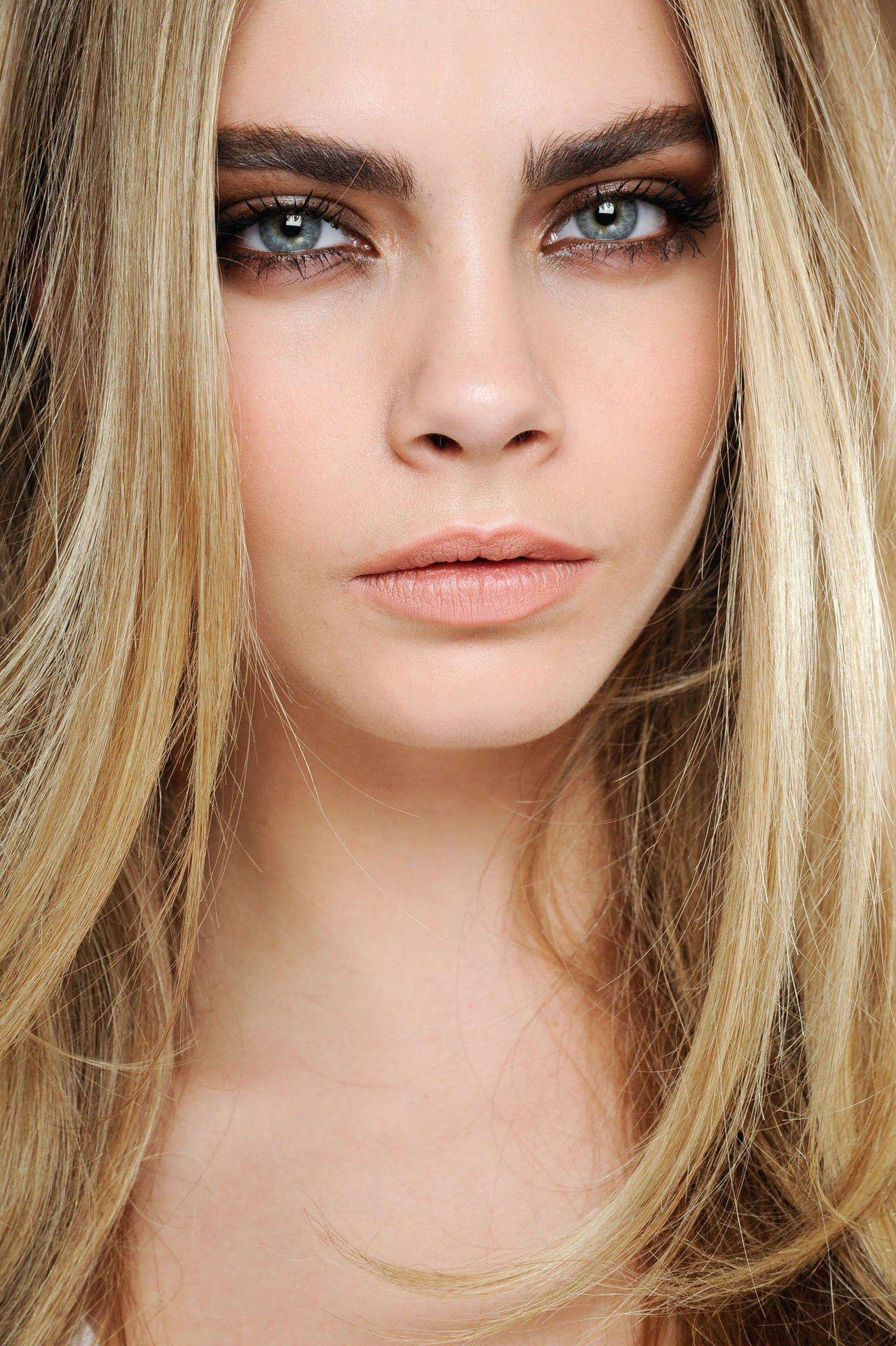 Boho Beauty Trend Bold Statement Eyebrows Natural Makeup Dark