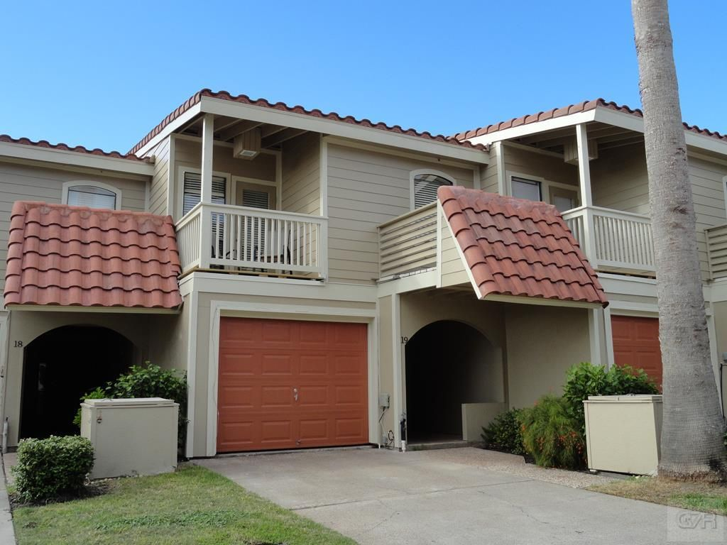Condos Townhomes For Sale 19 E Dana Drive With Images