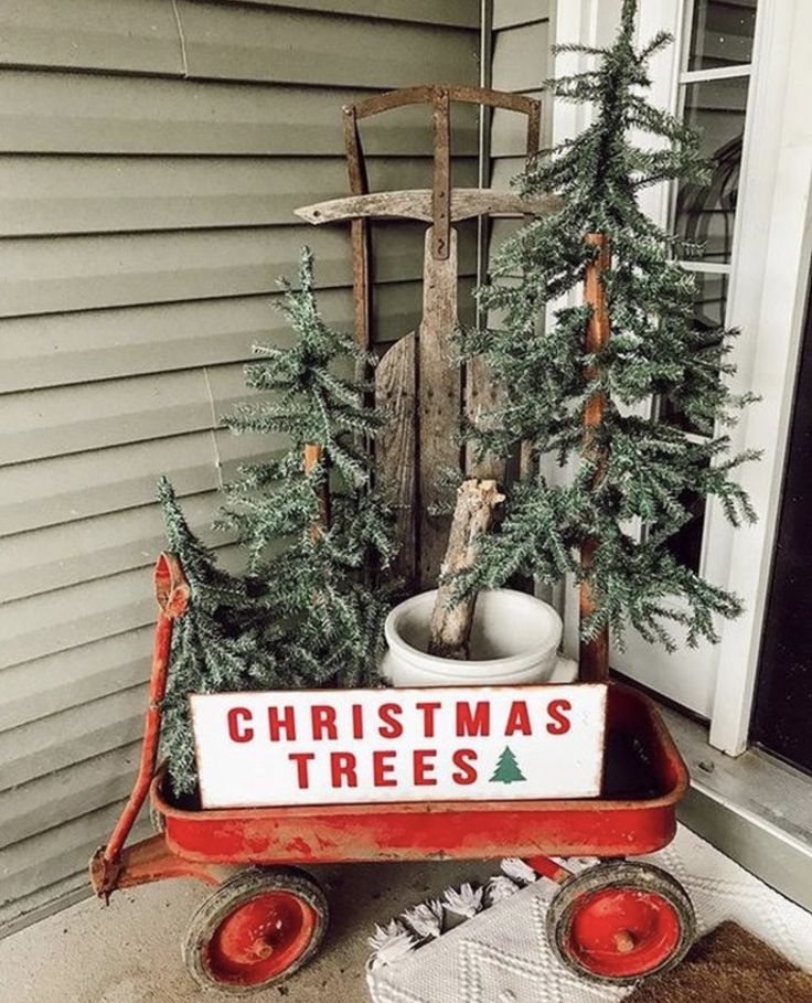 97 Farmhouse Christmas Decor Ideas For Your Home - Chaylor & Mads -   19 farmhouse christmas tree decorations diy ideas