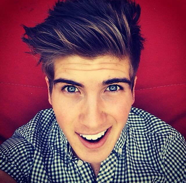 Joey Graceffa  EYES ARE ALWAYS EITHER GREEN, BLUE, OR FREAKING GREY