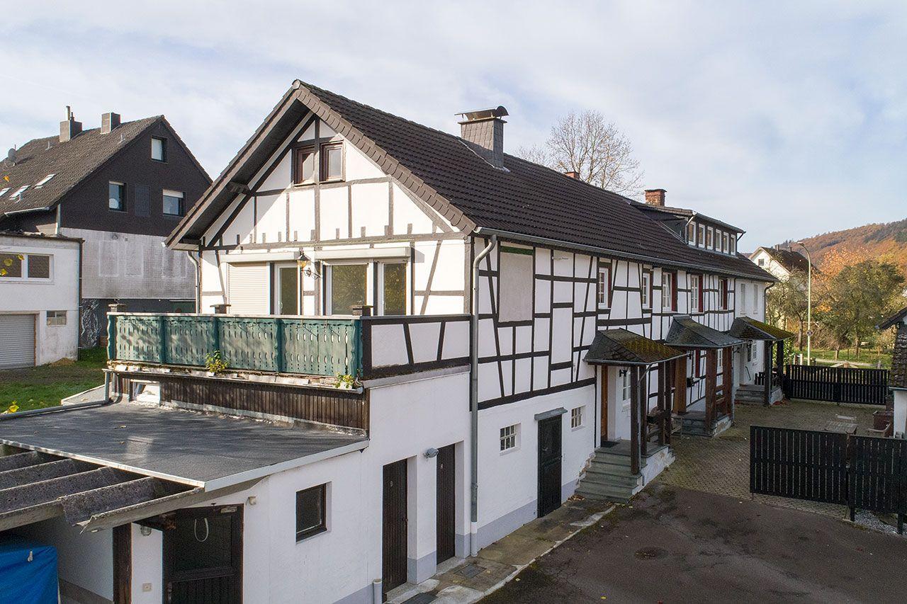 Phi Aachen Saniertes Bauernhaus Mit 5 Wohnungen Und