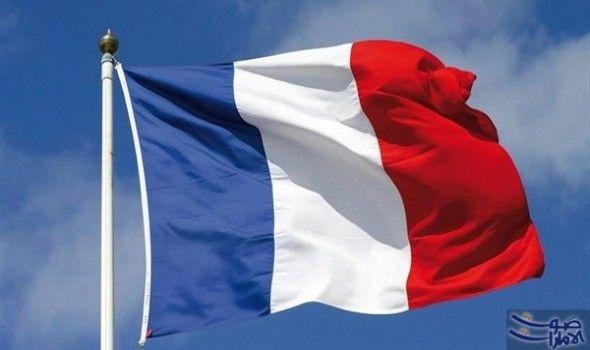 فرنسا تدعو بغداد لضبط النفس واحترام حقوق الأكراد دعت فرنسا الجمعة الحكومة المركزية العراقية إلى ضبط النفس بعد أن سيطرت على آخر م France Flag Paris Attack Flag