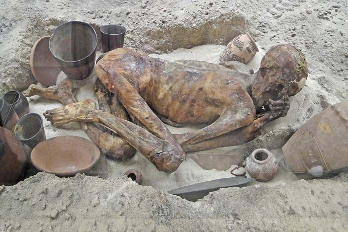 Predynastic Grave - The oldest Egyptian mummies scholars have ...