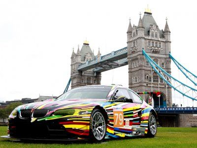E92 BMW M3 GTR ArtCar by Jeff Koons, in the background The London Bridge