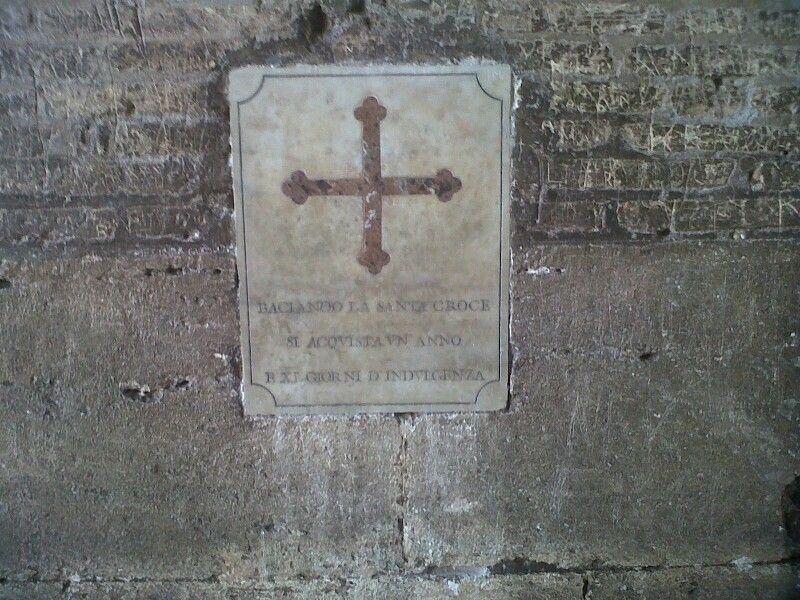 La croce porta fortuna, Colosseo