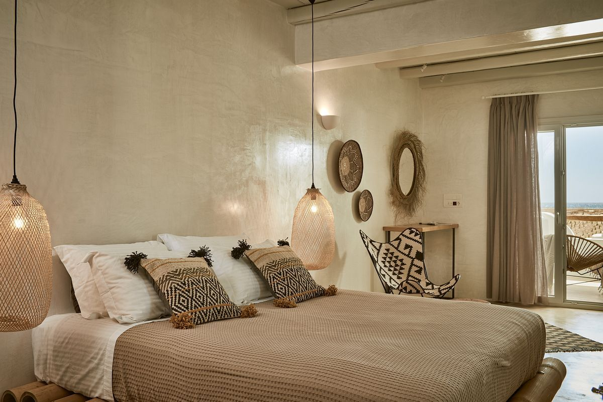 Deco Chambre Ethnique Chic naxian on the beach couples visiting the largest