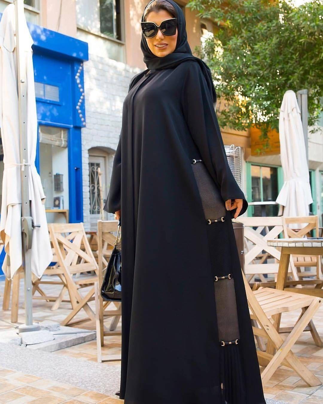 Repost Lifesunlinda Model With Instatoolsapp New Looks Subhanabayas ازياء عبايات عباية أناقة Fashionblog Insta Fashion Fashion Abaya Fashion