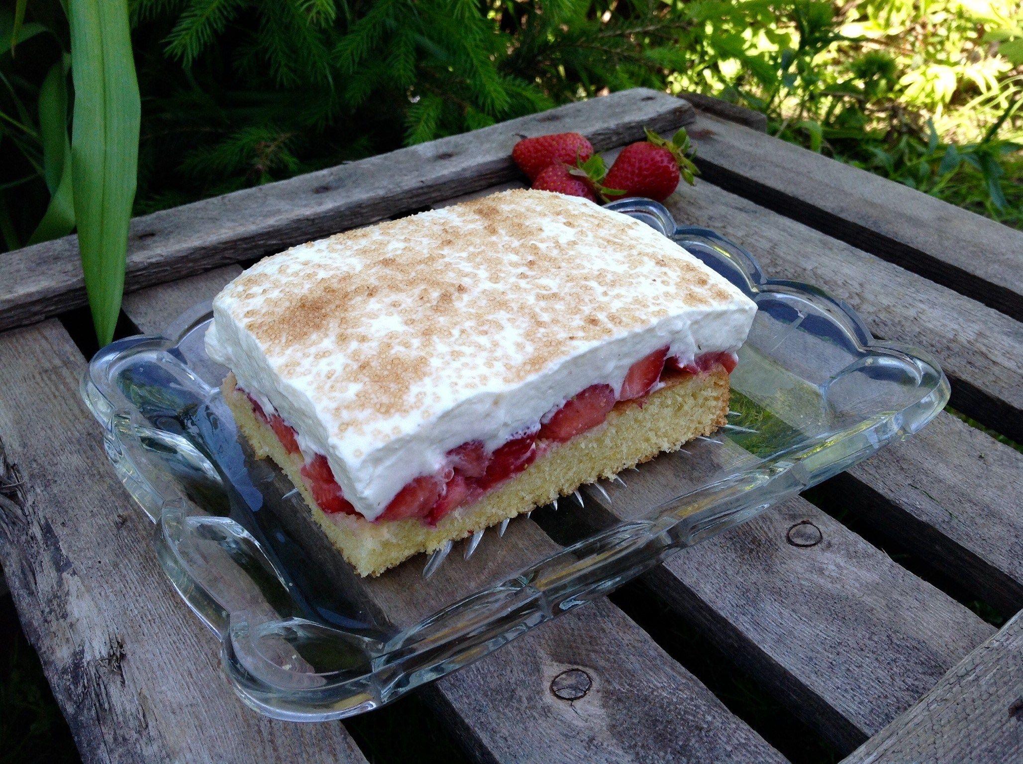 Erdbeer Fanta Kuchen Aus Meinem Kuchen Und Tortenblog Kuchen Und Torten Rezepte Kuchen Und Erdbeer Kuchen