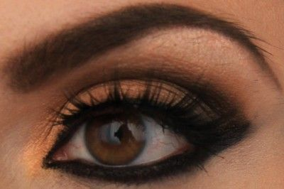 eye makeup from Selena Gomez's come & get in music video