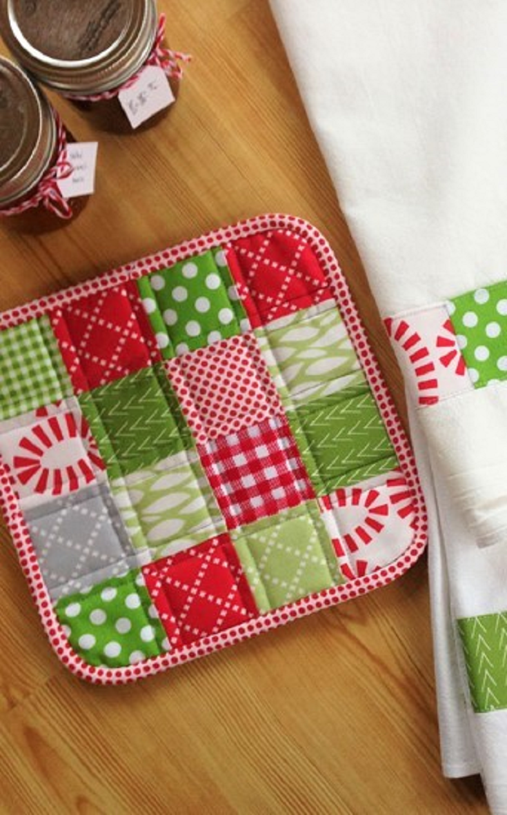 Quilted Christmas 10 Hot Pad