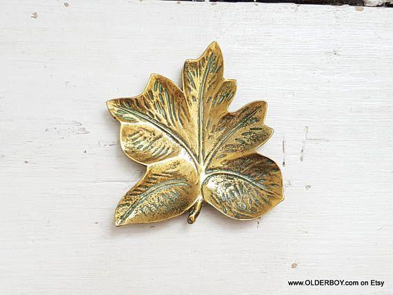 Vtg brass LEAF dish ashtray Ring Holder small collectible leaflet sheet vintage brass leaf paperweight decorative leaf wedding gift N10/887