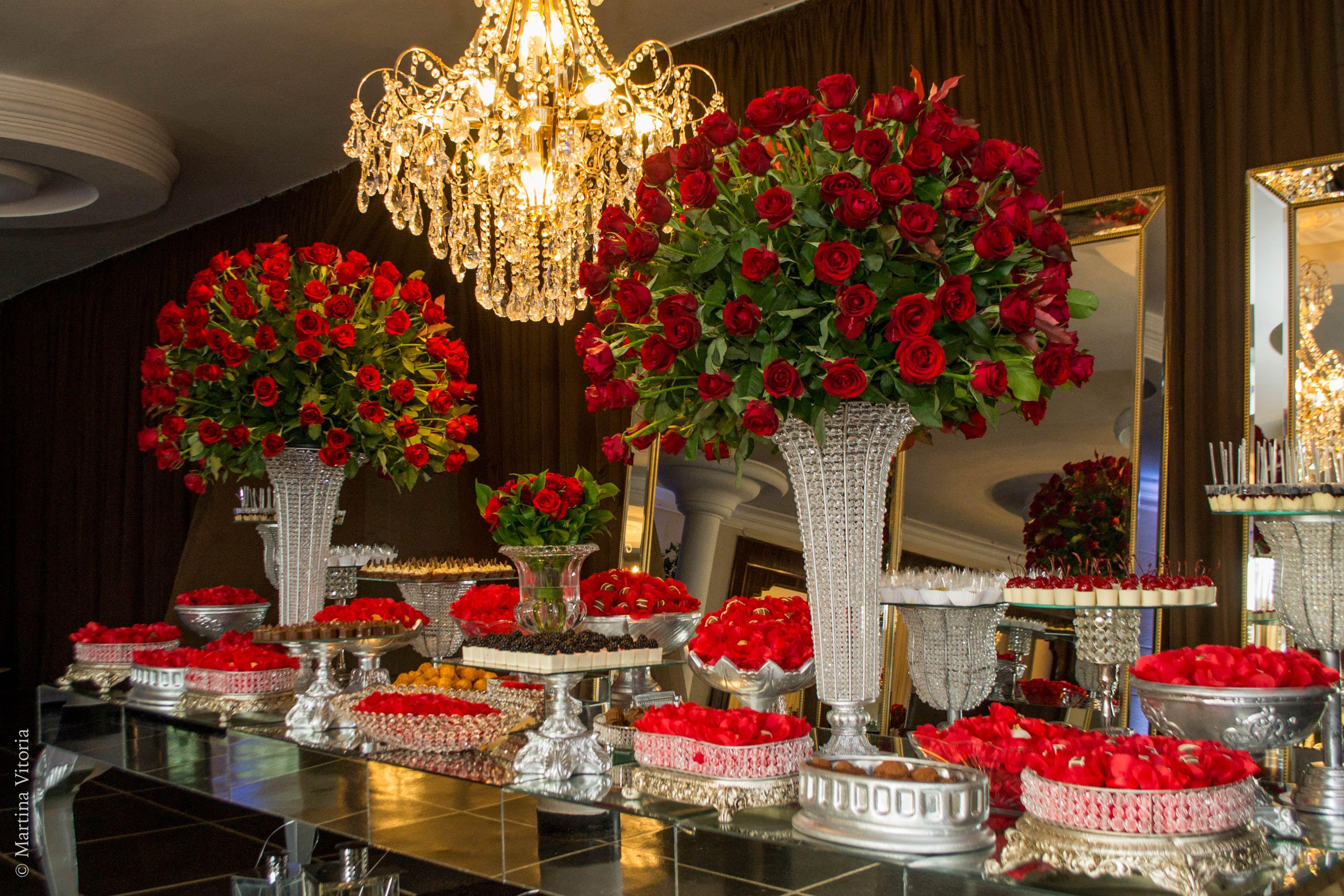 Mesa De Doces Com Rosas Vermelhas Festa De 15 Anos Festas De 15
