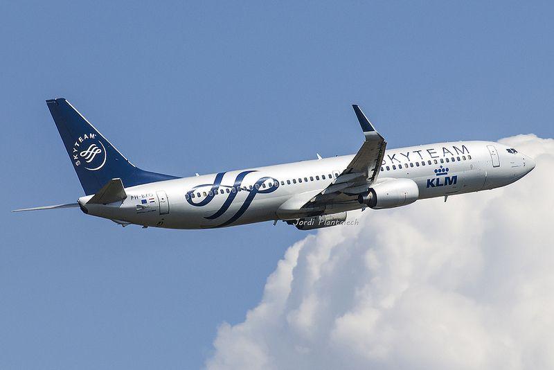 """Boeing 737-800 KLM """"Sky Team"""""""