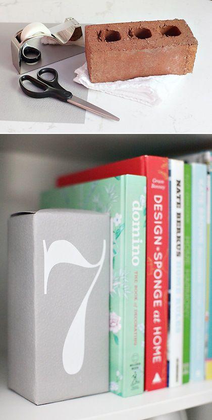 Artesanato Com Madeira Pregos E Linha ~ Faça voc u00ea mesmo aparadores de livros divertidos Aparadores de livro, Aparador e Livros