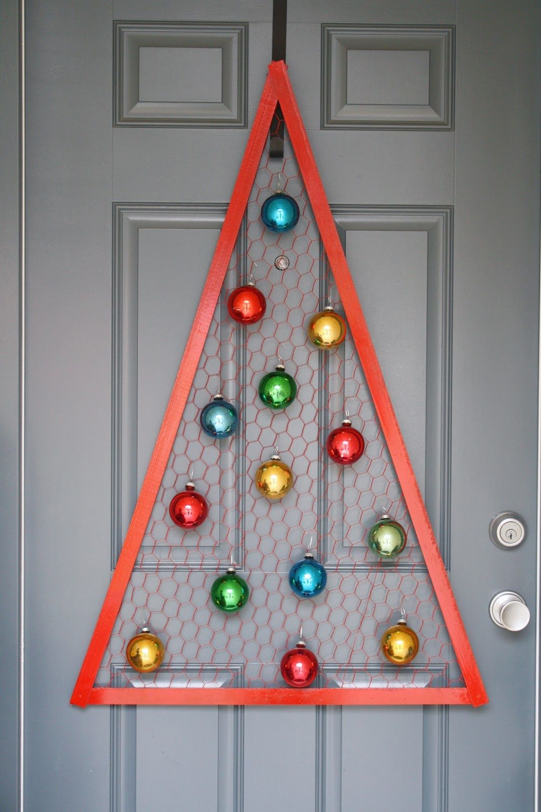 I think im going to make myself a chicken wire tree this christmas chicken wire christmas tree diy home decor crafts this might be good as a yard decoration solutioingenieria Image collections