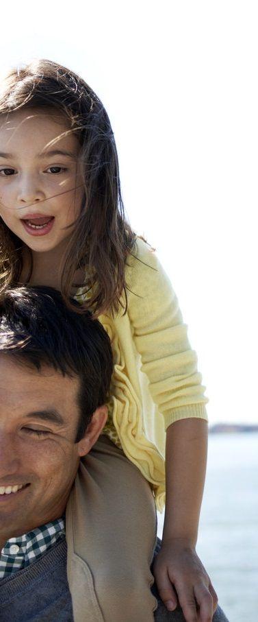 Familie. Wo das Leben beginnt und die Liebe nie aufhört.  Family. Where life begins and love never ends.