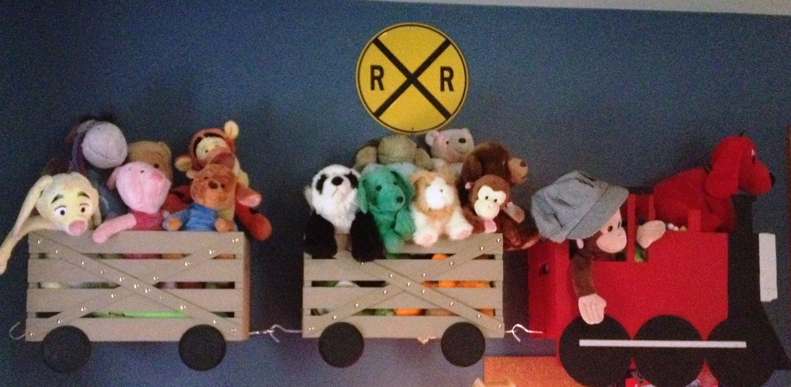 This is a train shelf i made for my son 39 s big boy room - Baby jungenzimmer ...