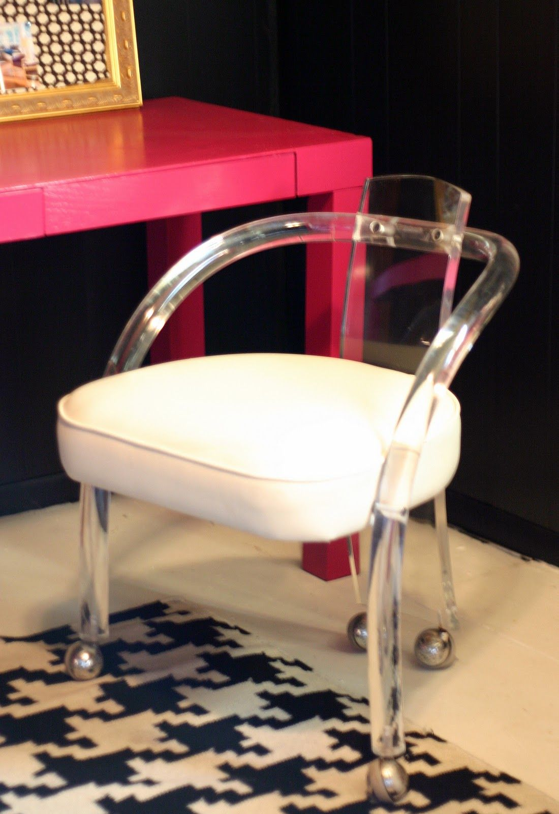 Alfa img Showing Lucite Desk Chair