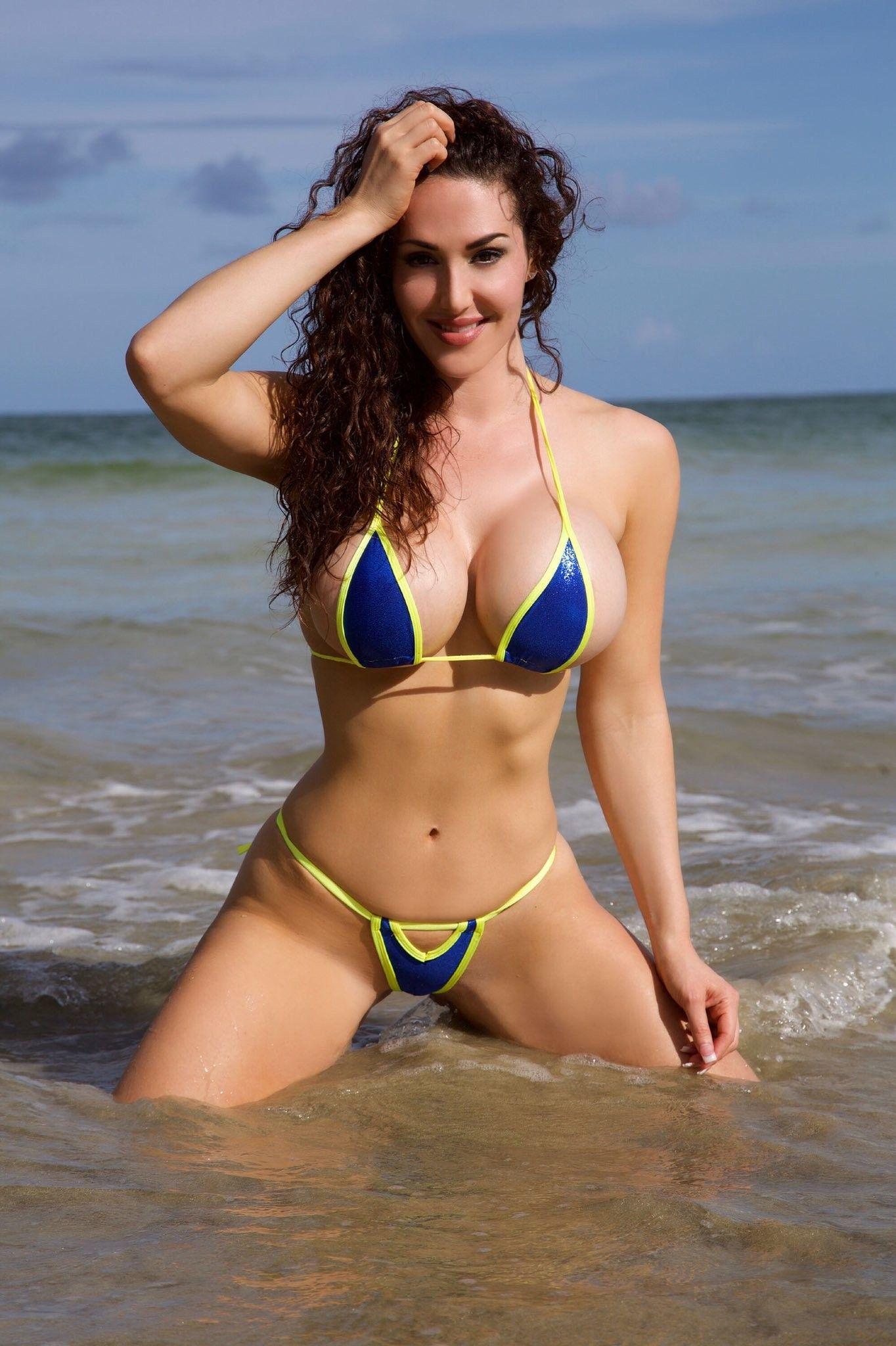 Giada bikini in bikini pictures — pic 4