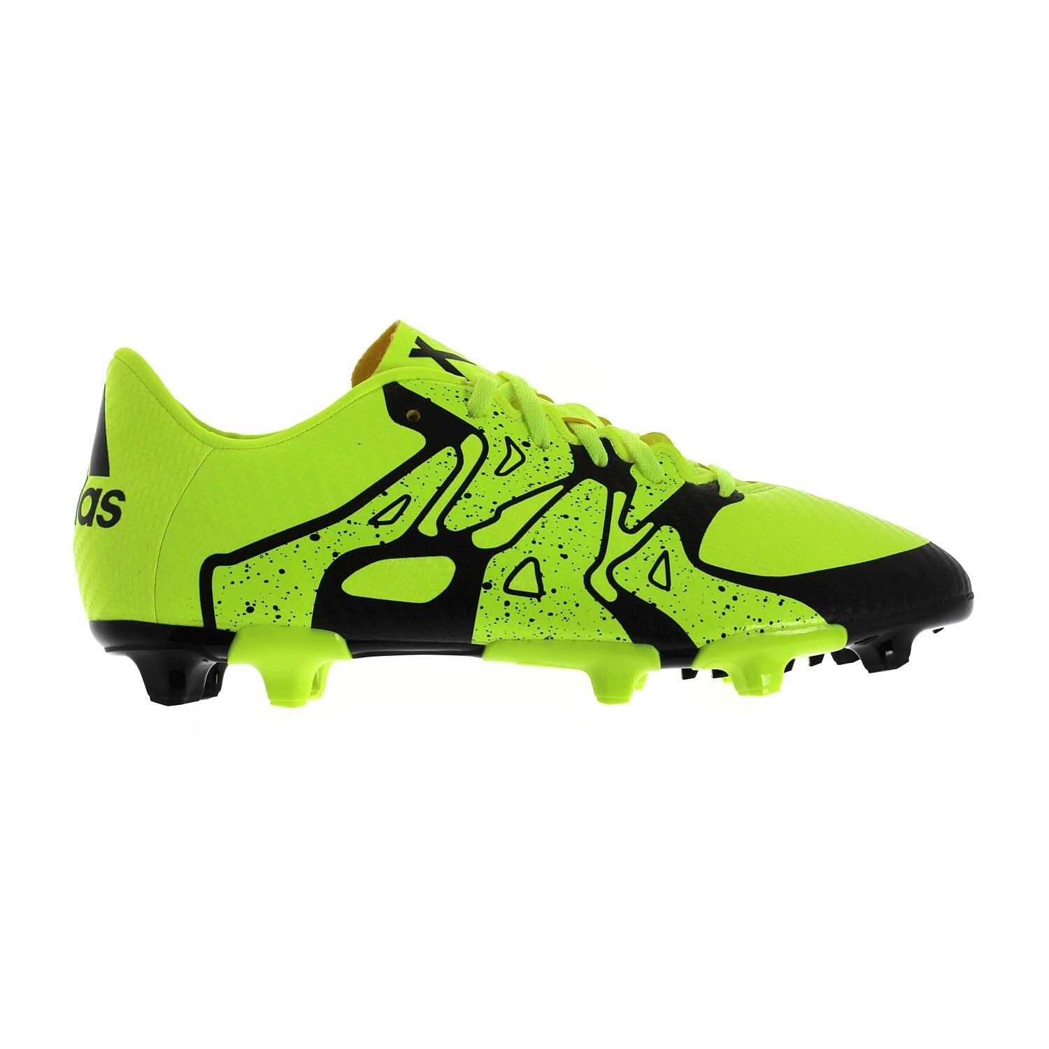 These junior boys\u0027 soccer cleats are made to shake up your opponents with  unpredictable moves- Soft, close-fitting two-color mesh upper- Synthetic  lining- ...