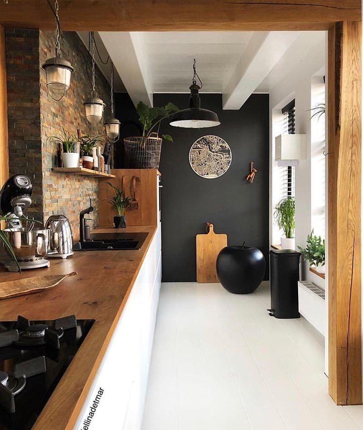 Etwas Industrie-Stil mit moderne und Holz kombiniert macht