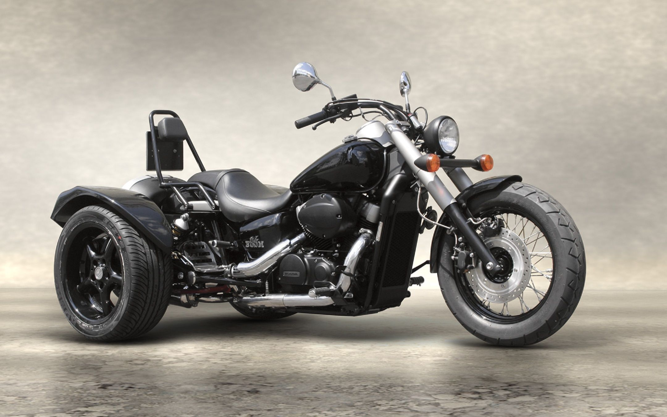 honda shadow vt750 black spirit boom trike http boom. Black Bedroom Furniture Sets. Home Design Ideas