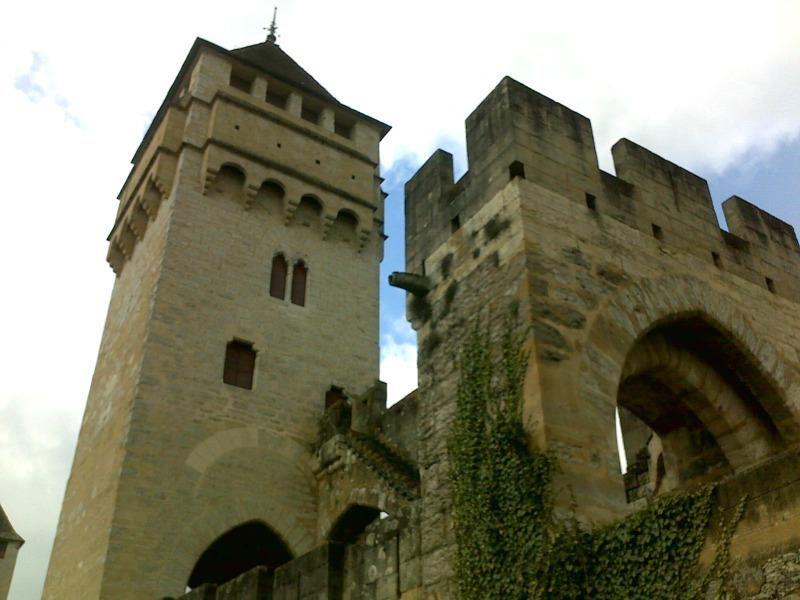 www.tourisme-cahors.fr #Pont Valentré #Cahors #Lot #MidiPyrenees #France #tourisme #voyages #travel Photo : Romain Péroua
