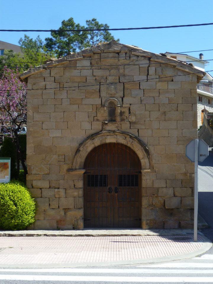 La capilla del Santo Nombre de Jesús de Oliana o La Capella del Sant Nom de Jesús se trata de un pequeño templo construido…http://www.rutasconhistoria.es/loc/capilla-del-santo-nombre-de-jesus-de-oliana