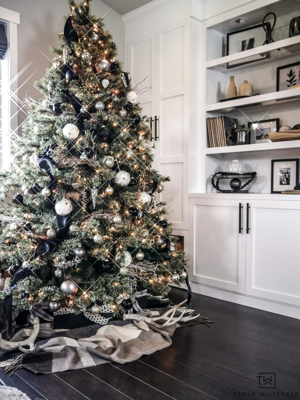 Rustic Modern Christmas Tree - Taryn Whiteaker #christmastree
