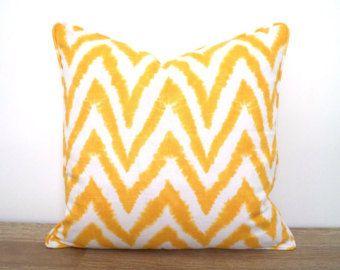 Moderne Kissenbezüge yellow pillow 18x18 modern home decor ikat cushion cover