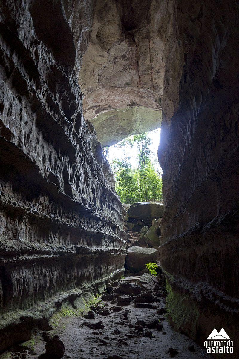 Pin De Queimando Asfalto Em Chapada Dos Guimaraes Mt Caverna