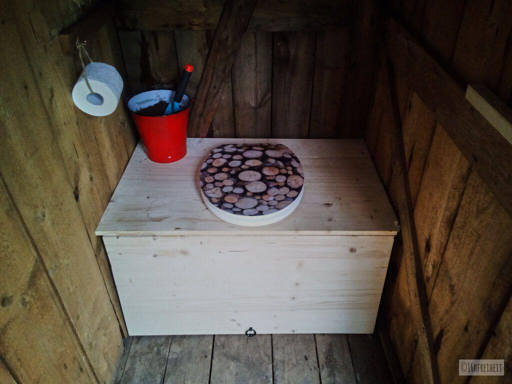 toiletten ohne wasser sind h ufig besser als ihr ruf f r unseren garten haben wir eine. Black Bedroom Furniture Sets. Home Design Ideas