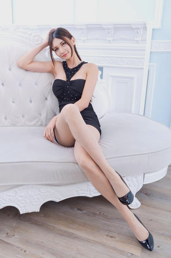 Girls with pretty legs
