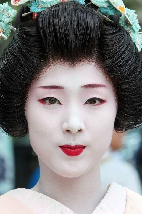 Costume Ideas And How To S Geisha Makeup Geisha Face Geisha Hair