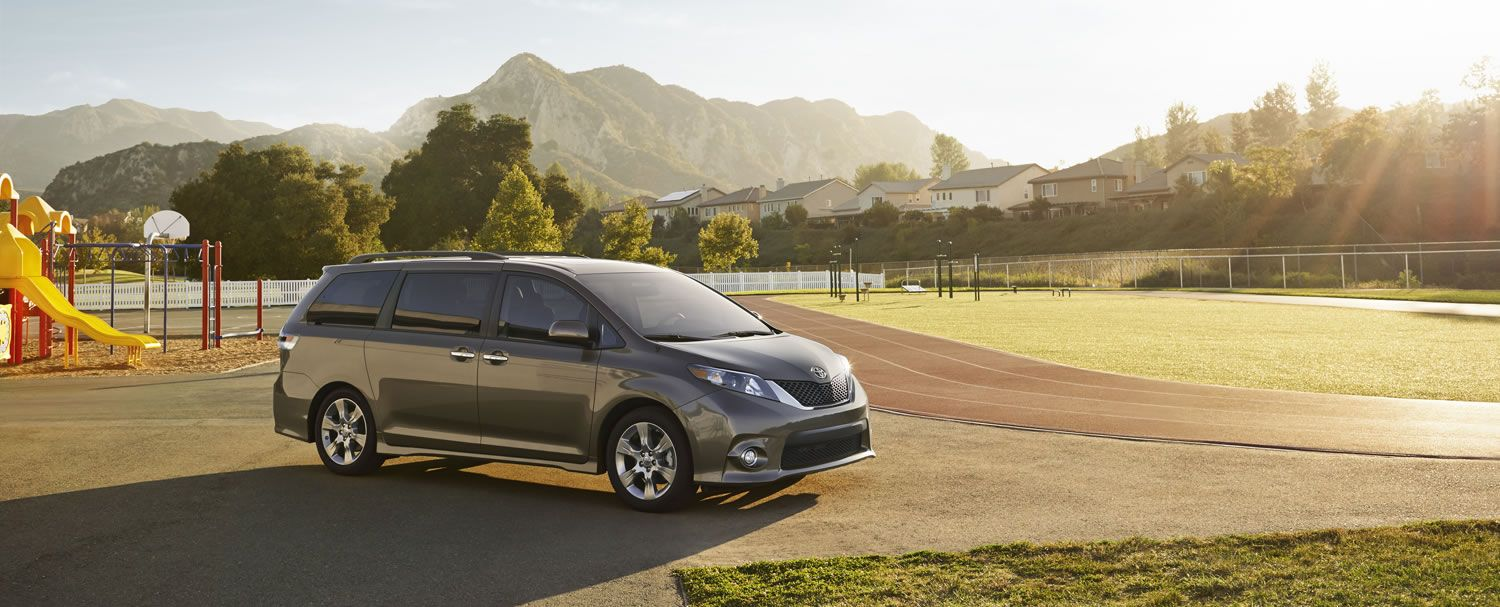 Interior of toyota sienna xle great for road trips and naps this is what our new van looks like inside such luxury new van pinterest toyota