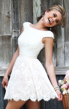 Vestido para festa de noivado curto