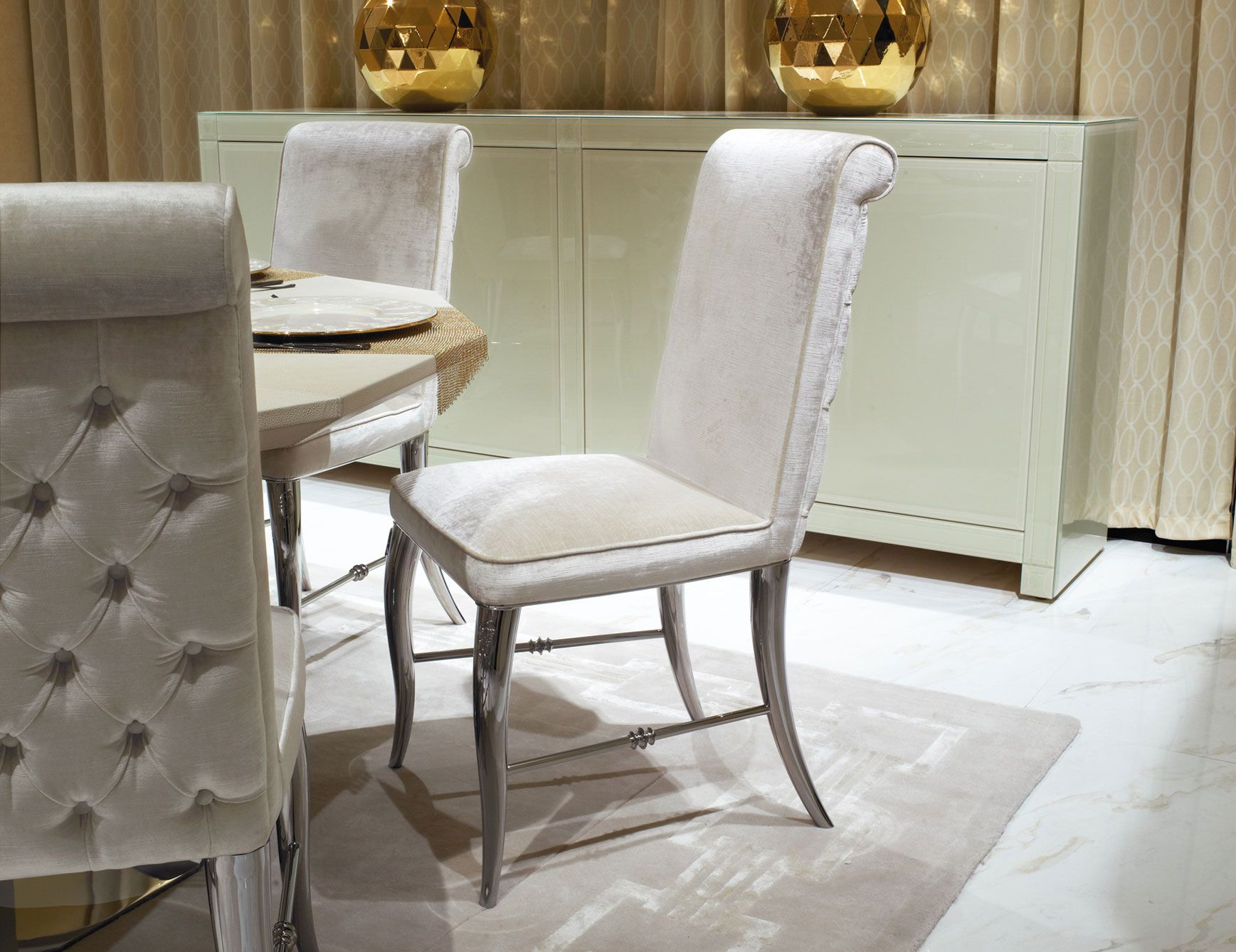 Nella Vetrina Visionnaire Ipe Cavalli Esmeralda Luxury Dining Chair